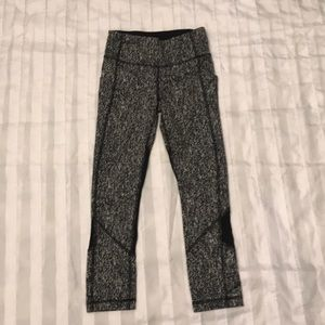Lululemon capri leggings L2-4